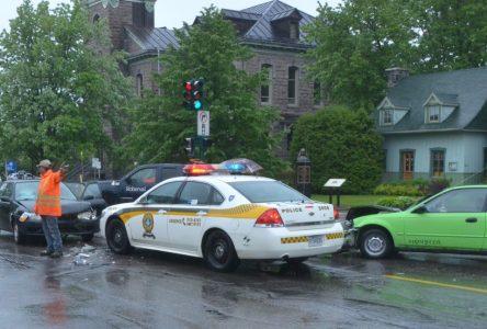 Collision mineure au centre-ville de Roberval
