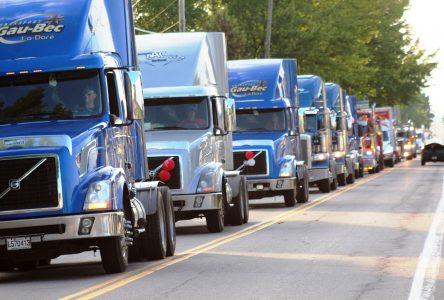 Les camionneurs s'emparent de la rue principale à La Doré