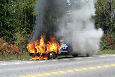 Une cantine mobile en flammes à Saint-Félicien