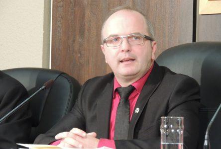 Guy Larouche sera candidat à la mairie de Roberval