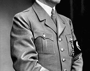 Les auteurs de la tentative d'assassinat d'Adolf Hitler honorés