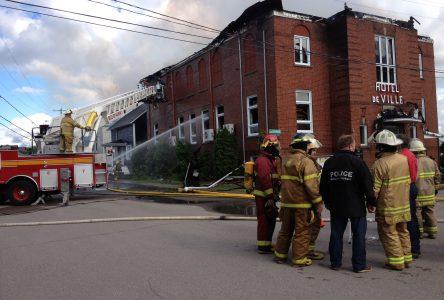 Un incendie détruit complètement l'Hôtel de ville d'Hébertville-Station
