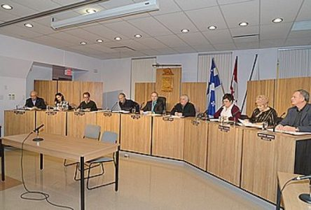 Budget 2014 : Roberval élimine l'impact du nouveau rôle d'évaluation