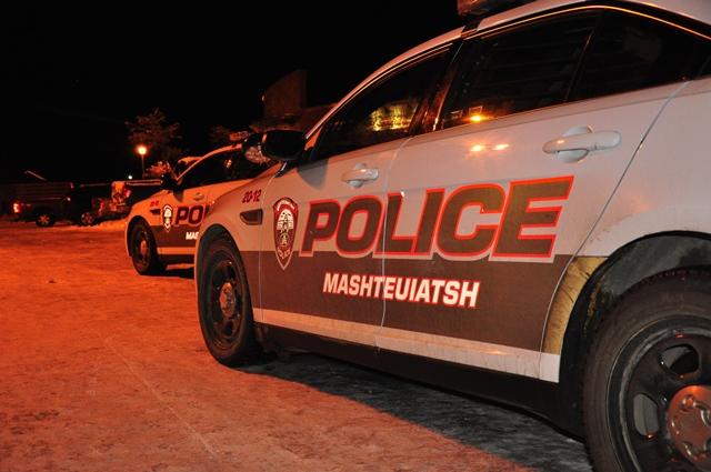 Homme barricadé à Mashteuitash