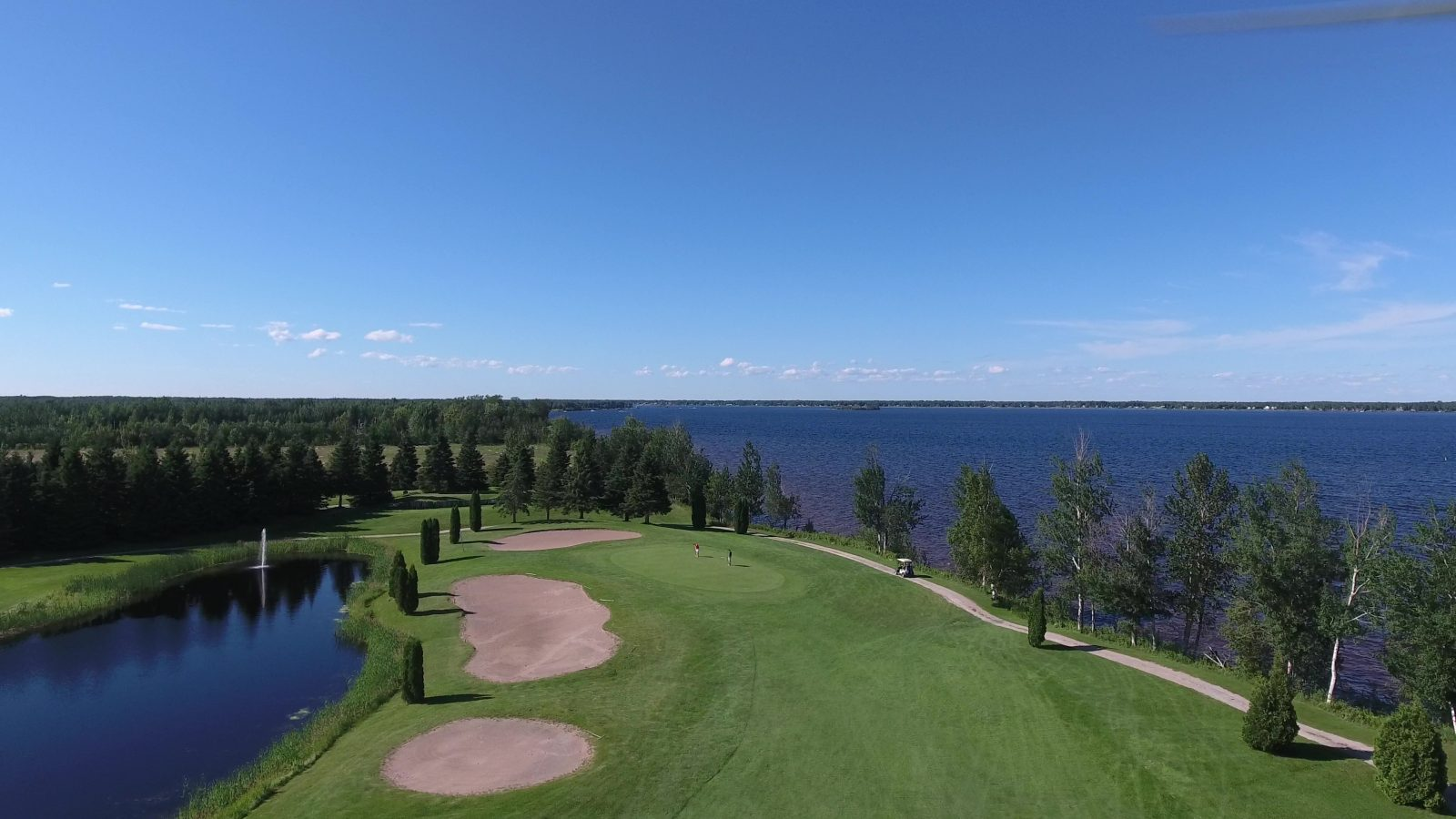 Les clubs de golf prêts pour une saison avec distanciation sociale