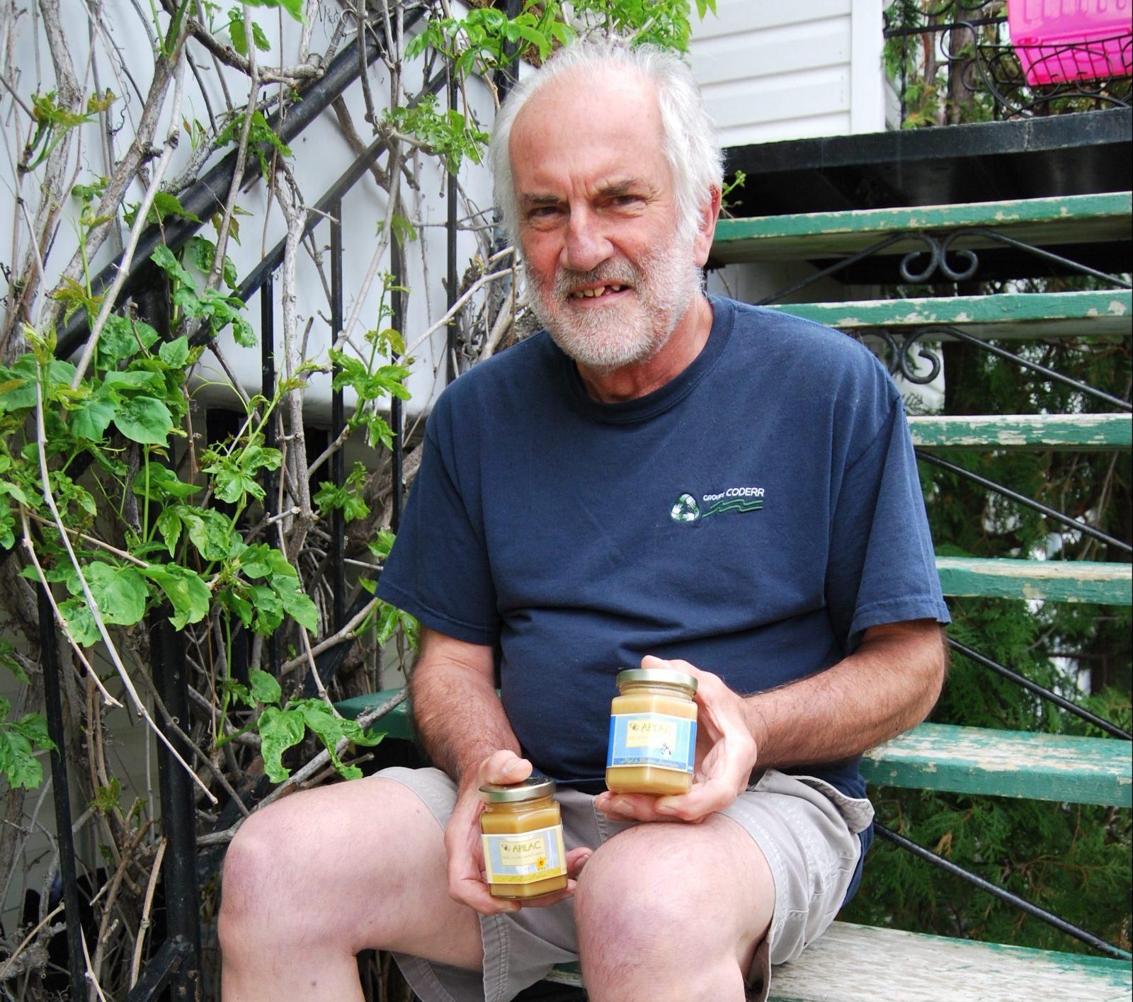 Peter Keating, apiculteur partout autour du globe!
