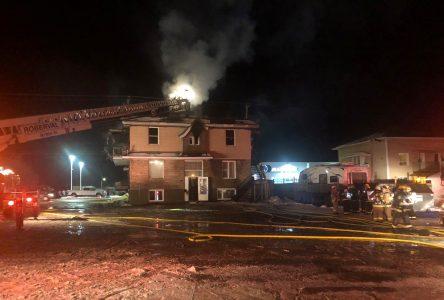 Incendie à Roberval : un résident de l'immeuble arrêté