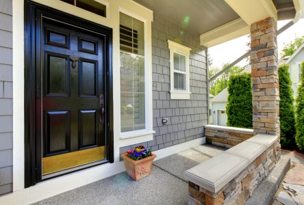 Pourquoi opter pour une porte d'entrée en acier?
