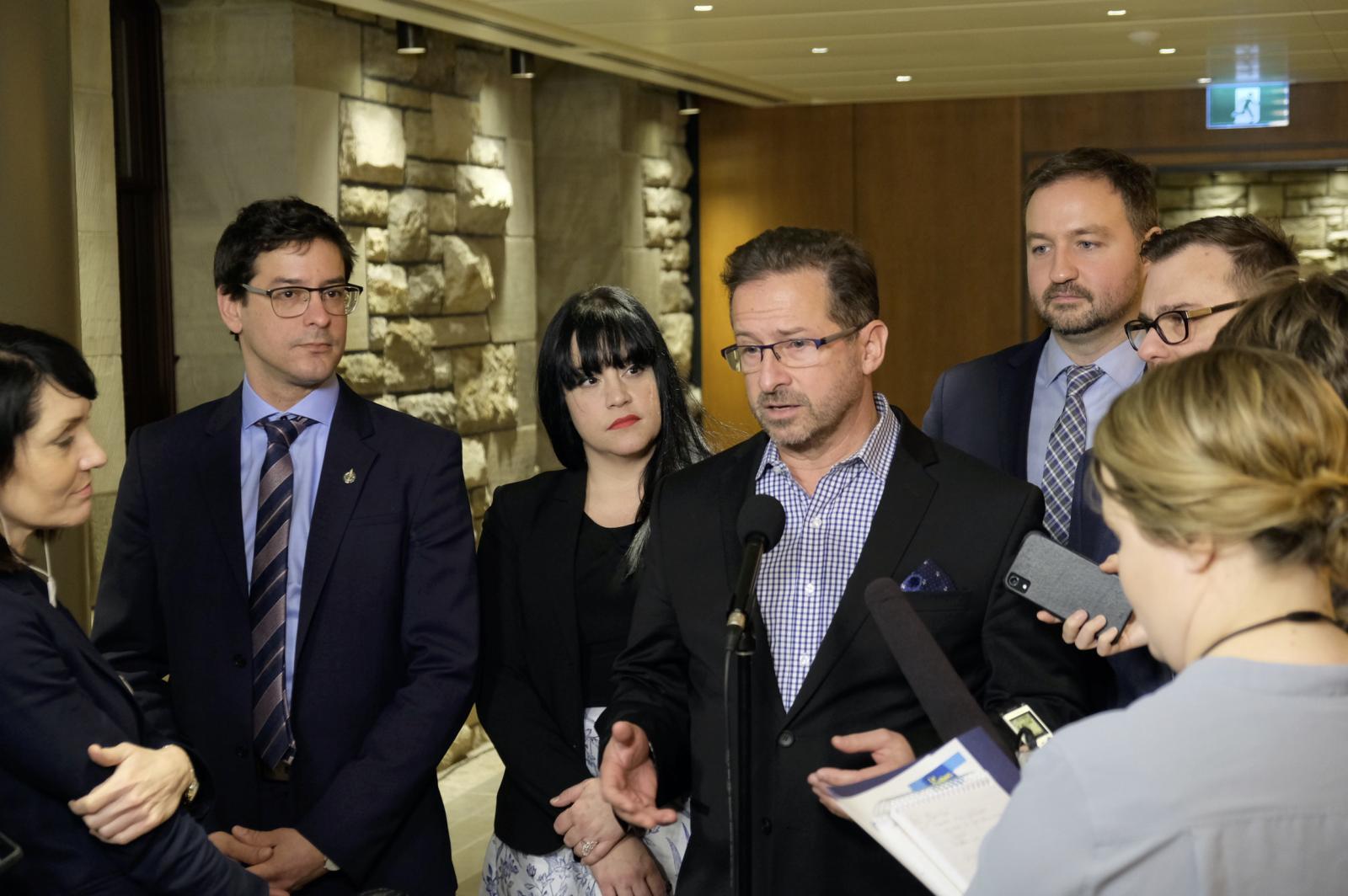 Le Bloc exige des mesures de soutien pour les travailleurs et les PME
