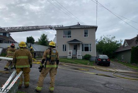 Incendie à Saint-Félicien causé par un barbecue