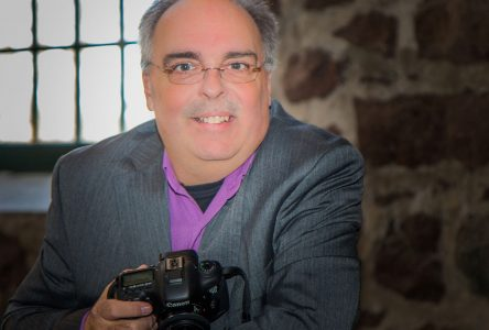 Artiste-photographe robervalois à la présidence des expositions au Canada: Martin Gaudreault réalise une première régionale
