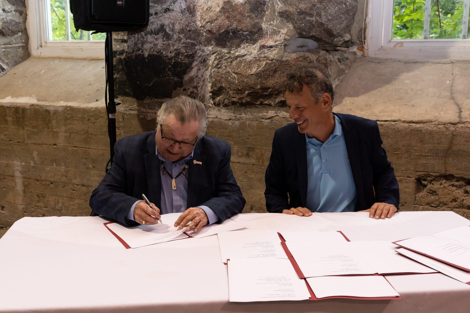 Signature de deux ententes entre trois Premières Nations Innues et Métaux BlackRock