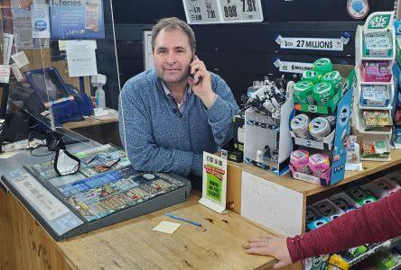 32 ans plus tard : Roger Boutin achète le dépanneur ayant appartenu à son père