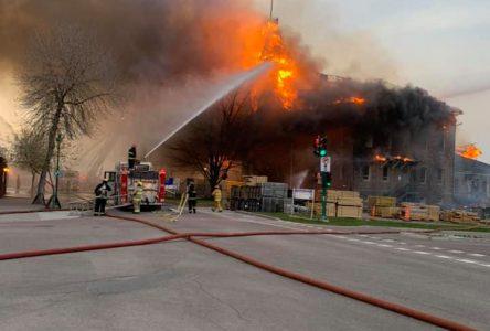 Incendie du palais de justice : Les autorités feront le point dimanche matin
