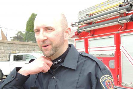 Le pompier Arrold Guay reçoit la Croix du courage